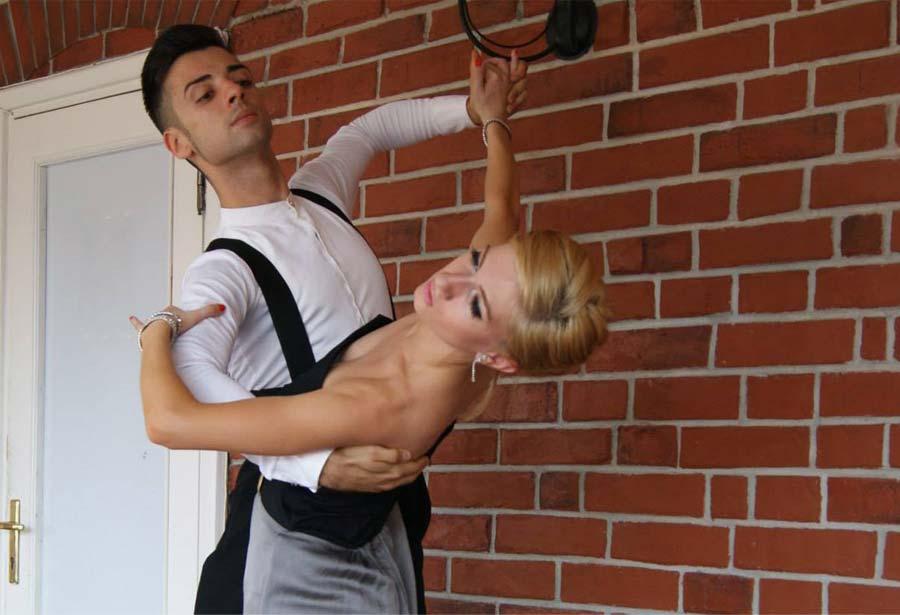 Razvan si Antonia Cursuri de dans de societate